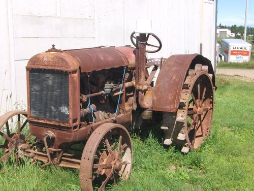 Steel Wheel Tractor : Old international tractors